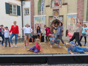 LiveOnStage2